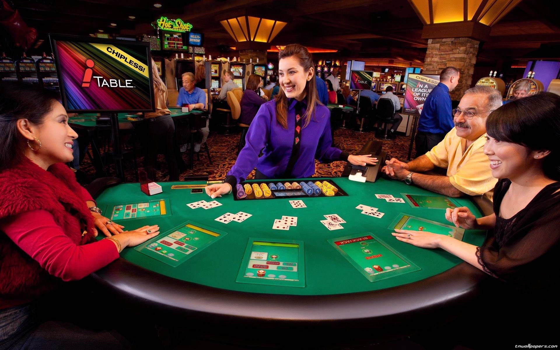 Using Five Poker Tips Methods Like The Professionals